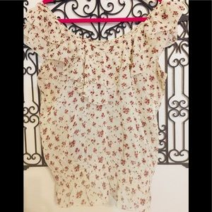 CREAM TOP with SOFT CARAMEL  ROSE COLORED FLOWERS